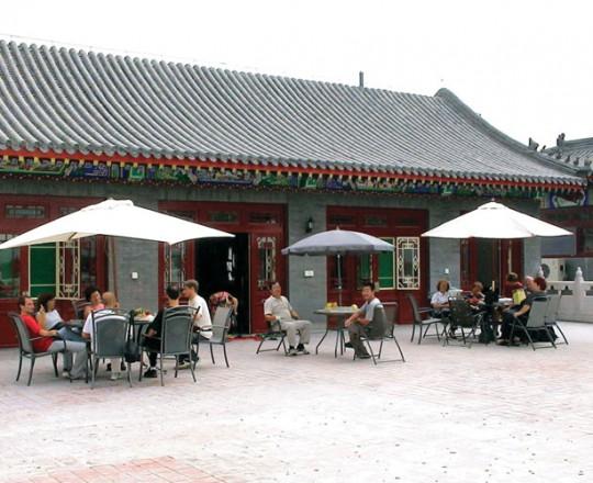 Alcuni allievi italiani nel terrazzo della casa del Maestro Yang Lin Sheng e della Maestra Liu Chun Yan a TianJin