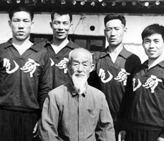 Il Maestro Guo Pei Yun e gli allievi Yang Lin Sheng, Liang Rong, Yang Tong, Bai Wen Ting