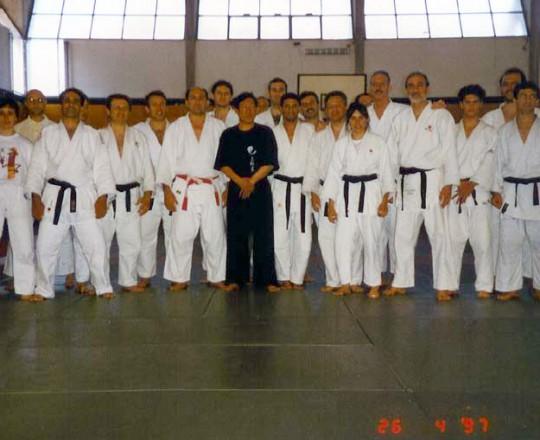 Il Maestro Yang Lin Sheng e il Maestro Alfredo Vismara durante uno stage tenuto per gli atleti di Judo come preparazione alle competizioni - Anno 1997
